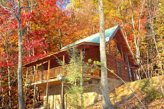 exterior view of back deck at a lover's secret a 1 bedroom cabin rental located in gatlinburg