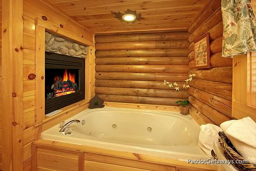 jacuzzi tub in bathroom at a lover's secret a 1 bedroom cabin rental located in gatlinburg