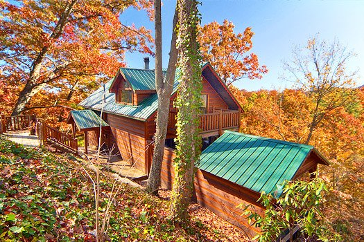 Hidden Pleasure, a 1-bedroom cabin rental located in Gatlinburg