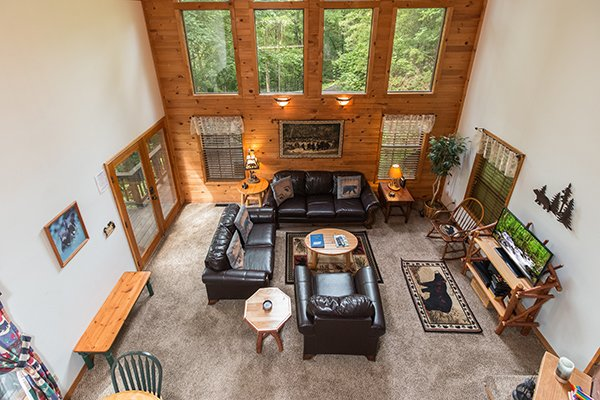 overhead view of the great room at a little slice of heaven a 1 bedroom cabin rental located in pigeon forge