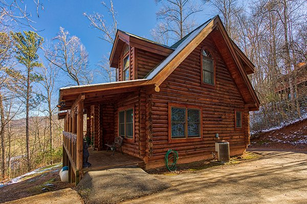 Sierra's Mountain Retreat, a 2 bedroom cabin rental located in Pigeon Forge
