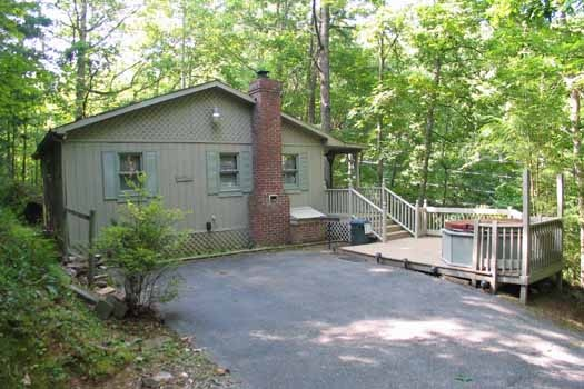 Heavenly Hideaway, a 2-bedroom cabin rental located in Gatlinburg