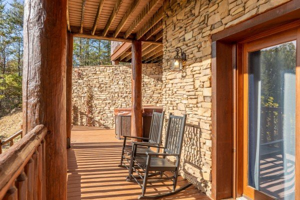 Rocking chairs at Grizzly's Den, a 5 bedroom cabin rental located in Gatlinburg