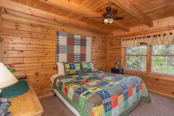 Bedroom with a queen bed at Skyline Retreat, a 2 bedroom cabin rental located in Sevierville