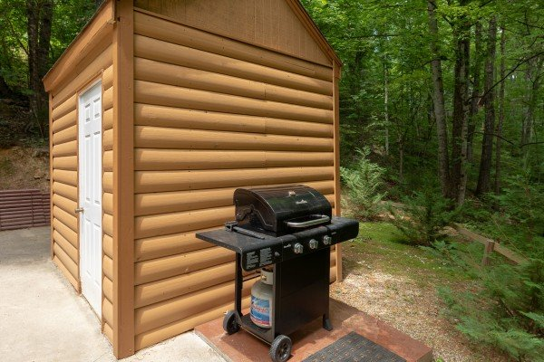 Propane grill at A Hidden Treasure, a 2 bedroom cabin rental located in Pigeon Forge