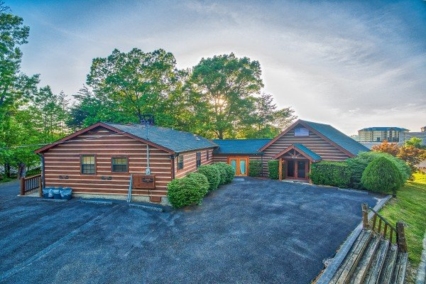 Plenty of level parking at Patriot Pointe, a 5 bedroom cabin rental located in Pigeon Forge