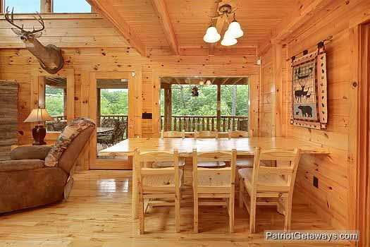 dining room table at wilderness lodge a 3 bedroom cabin rental located in pigeon forge