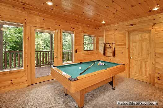 game room pool table at wilderness lodge a 3 bedroom cabin rental located in pigeon forge