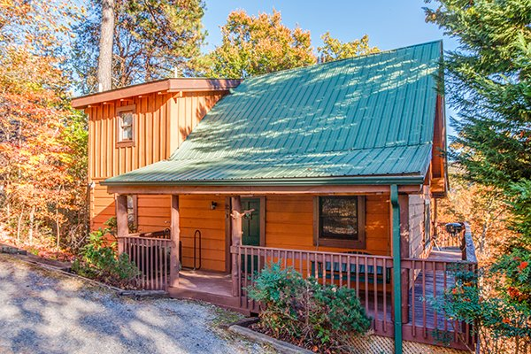 Hawk's Nest, a 1-bedroom cabin rental located in Pigeon Forge