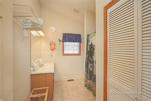 Bath with shower at Mountain Manor, a 1 bedroom cabin rental located in Gatlinburg