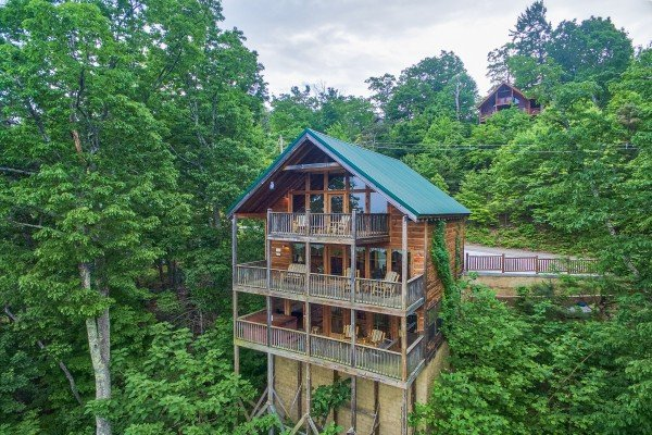 Serenity Heights, a 3 bedroom cabin rental located in Pigeon Forge