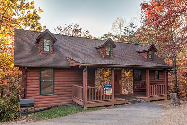 Just for Fun, a 4 bedroom cabin rental located in Pigeon Forge