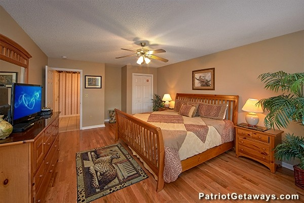 at smoky mountain lodge a 7 bedroom cabin rental located in gatlinburg