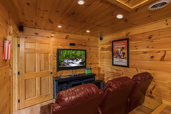 at graceland a 4 bedroom cabin rental located in pigeon forge