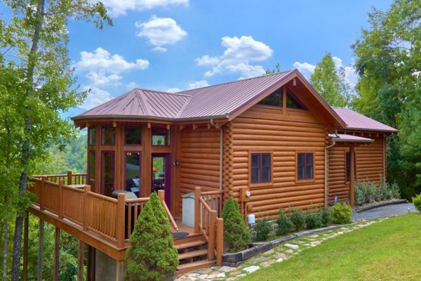 Exterior of cabin at Wagon Wheel Cabin, a 3 bedroom cabin rental located in Pigeon Forge