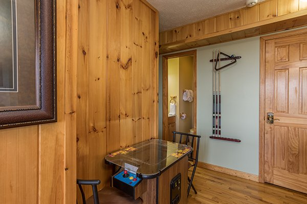 Arcade game at The Bear's House, a 4 bedroom cabin rental in Pigeon Forge