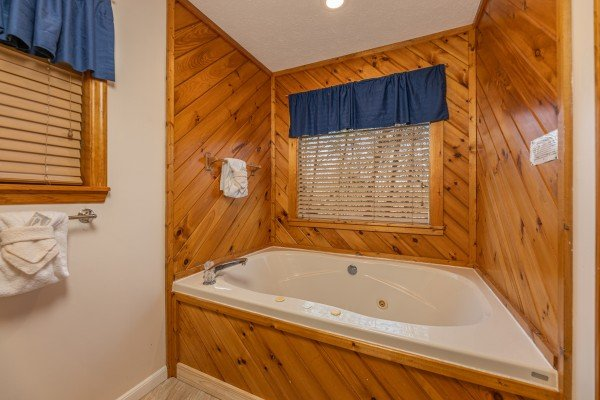 Jacuzzi tub at Pampered Campers, a 3 bedroom cabin rental located in Pigeon Forge