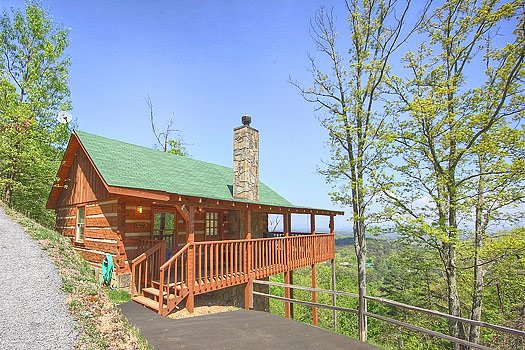 View of log cabin named Bare Hugs, a 1-bedroom cabin rental located in Pigeon Forge