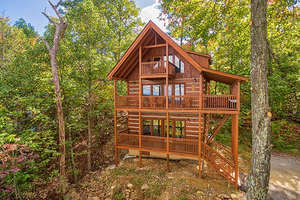 Front exterior view at Ella-vation, a 3-bedroom cabin rental located in Gatlinburg