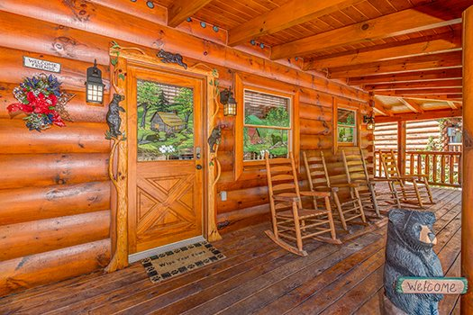 Custom woodwork at Lazy Bear Lodge, a 2 bedroom cabin rental located in Pigeon Forge