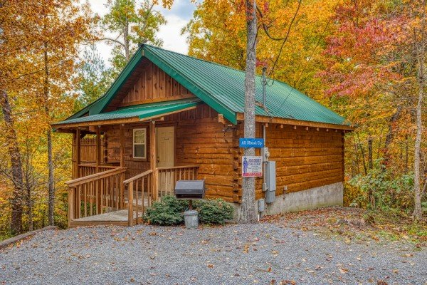 Exterior and parking at All Shook Up, a 1 bedroom cabin rental located in Pigeon Forge