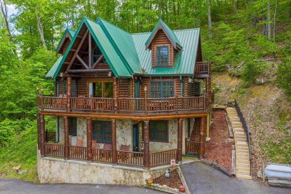 Heavenly Homestead, a 4 bedroom cabin rental located in Pigeon Forge