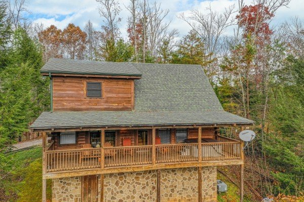 Looking toward Enchanted Evening, a 1-bedroom cabin rental located in Pigeon Forge
