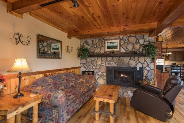 at hidden pleasure a 1 bedroom cabin rental located in gatlinburg