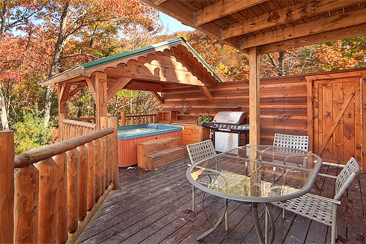 dining on the deck at hidden pleasure a 1 bedroom cabin rental located in gatlinburg