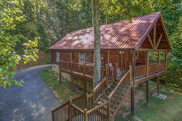 Lincoln Logs, a 2 bedroom cabin rental located in Gatlinburg