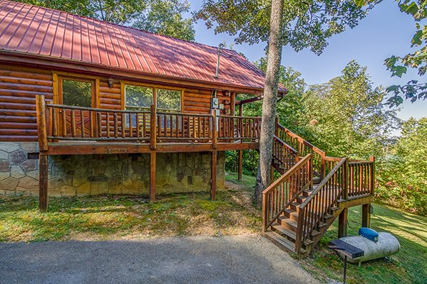 Steps leading to the entrance of the cabin from the parking area at Lincoln Logs, a 2 bedroom cabin rental located in Gatlinburg