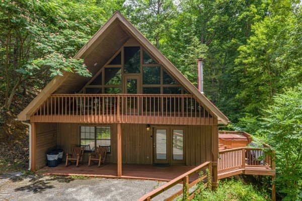 Around the Bend, a 3 bedroom cabin rental located in Pigeon Forge