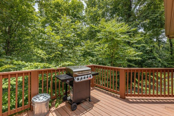Gas grill at Around the Bend, a 3 bedroom cabin rental located in Pigeon Forge