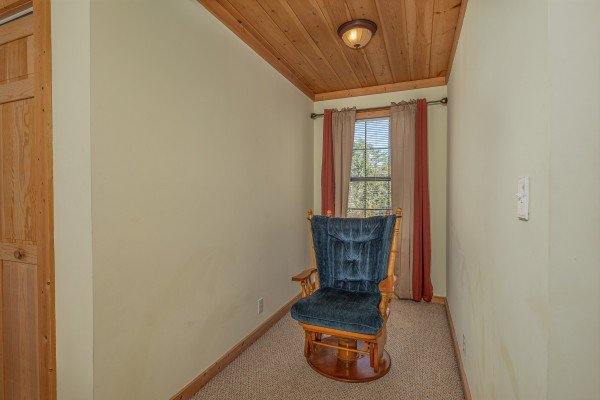 Glider in a nook at Bearadise 4 Us, a 3 bedroom cabin rental located in Pigeon Forge