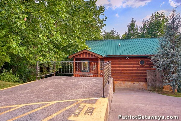 Patio at Bear House Rock, a 3-bedroom cabin rental located in Pigeon Forge
