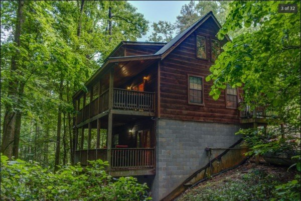 at my smoky mountain hideaway a 3 bedroom cabin rental located in pigeon forge