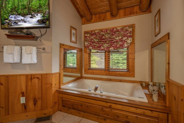 Jacuzzi in a bedroom at Mountain Escape, a 2 bedroom cabin rental located in Pigeon Forge