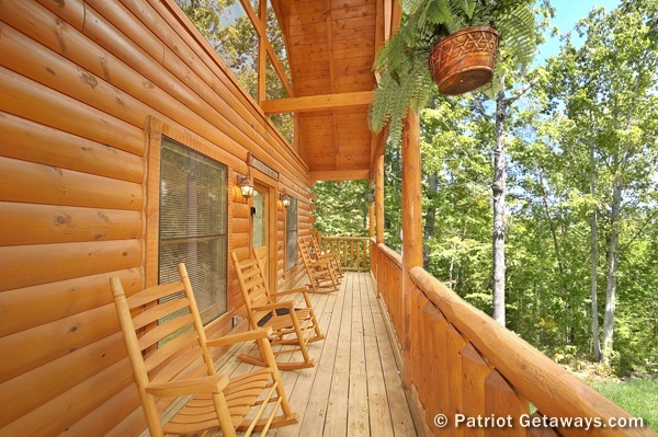 at mountain paradise a 2 bedroom cabin rental located in gatlinburg