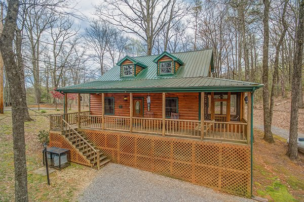 Lucky Logs, a 3 bedroom cabin rental located in Gatlinburg