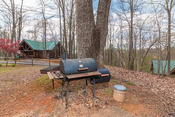 Grill and smoker combo at Lucky Logs, a 3 bedroom cabin rental located in Gatlinburg
