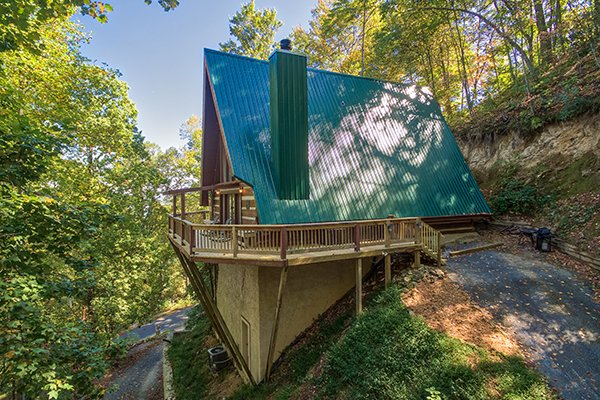 Soaring Heights, a 3 bedroom cabin rental located in Gatlinburg