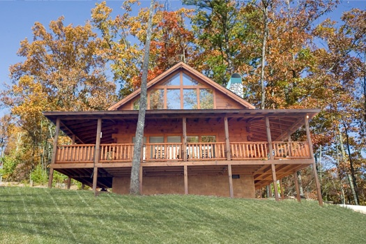 exterior view at paws n' claws a 2 bedroom cabin rental located in gatlinburg