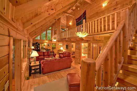 Living room at Black Bear Magic, a 4-bedroom cabin rental located in Gatlinburg