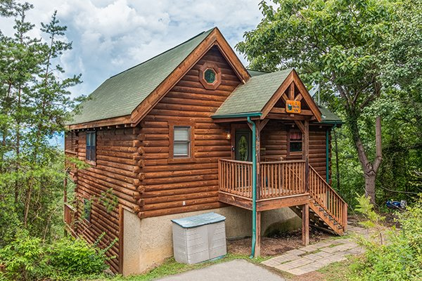 exterior of 1 amazing view a 2 bedroom cabin rental located in pigeon forge
