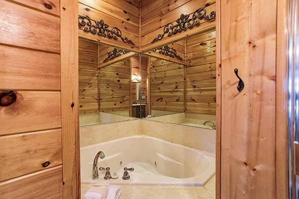 Jacuzzi tub in a corner at Mountain Top View, a 3 bedroom cabin rental located in Gatlinburg