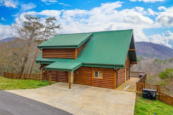Smoky Mountain Escape, a 3 bedroom cabin rental located in Pigeon Forge