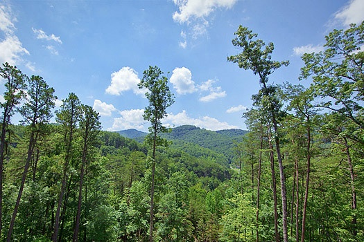 view of the smoky mountains at rainbow's end a 4 bedroom cabin rental located in pigeon forge