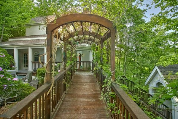 Trellis on a walkway at Gatlinburg Movie Mansion, a 5-bedroom cabin rental located in Gatlinburg
