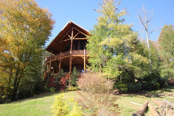 at waters edge lodge a 4 bedroom cabin rental located in gatlinburg