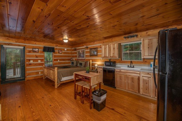 Studio concept at Honey Bear Hideaway, a 1 bedroom cabin rental located in Pigeon Forge